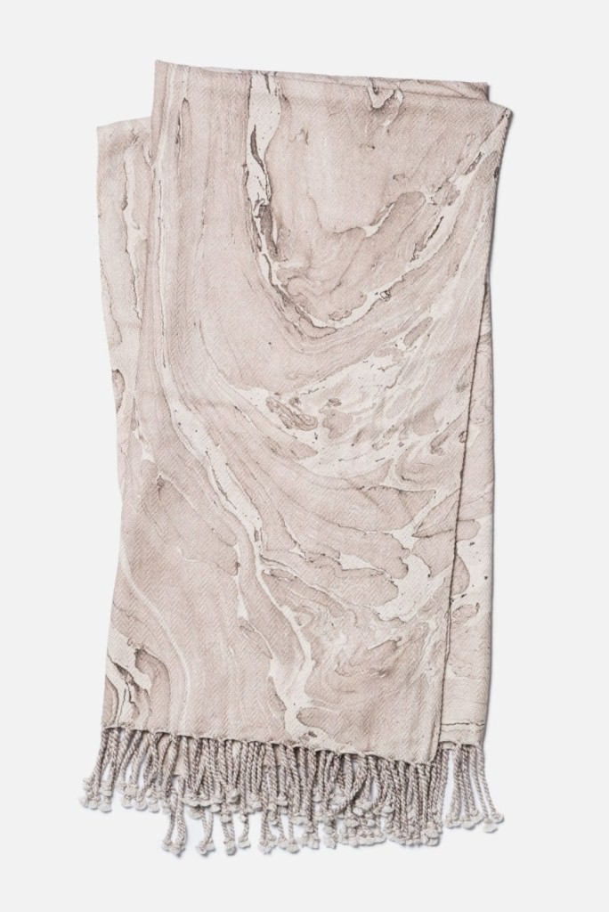 Loloi Nika T0006 Beige / Brown Throw